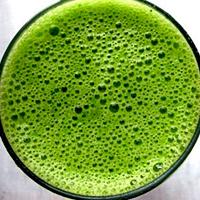 Пресни сокове от целина и магданоз при бактериална инфекция на пикочните пътища